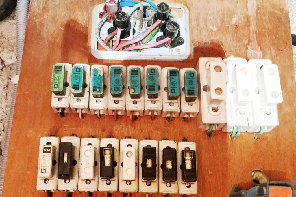 Tableau électrique vetuste